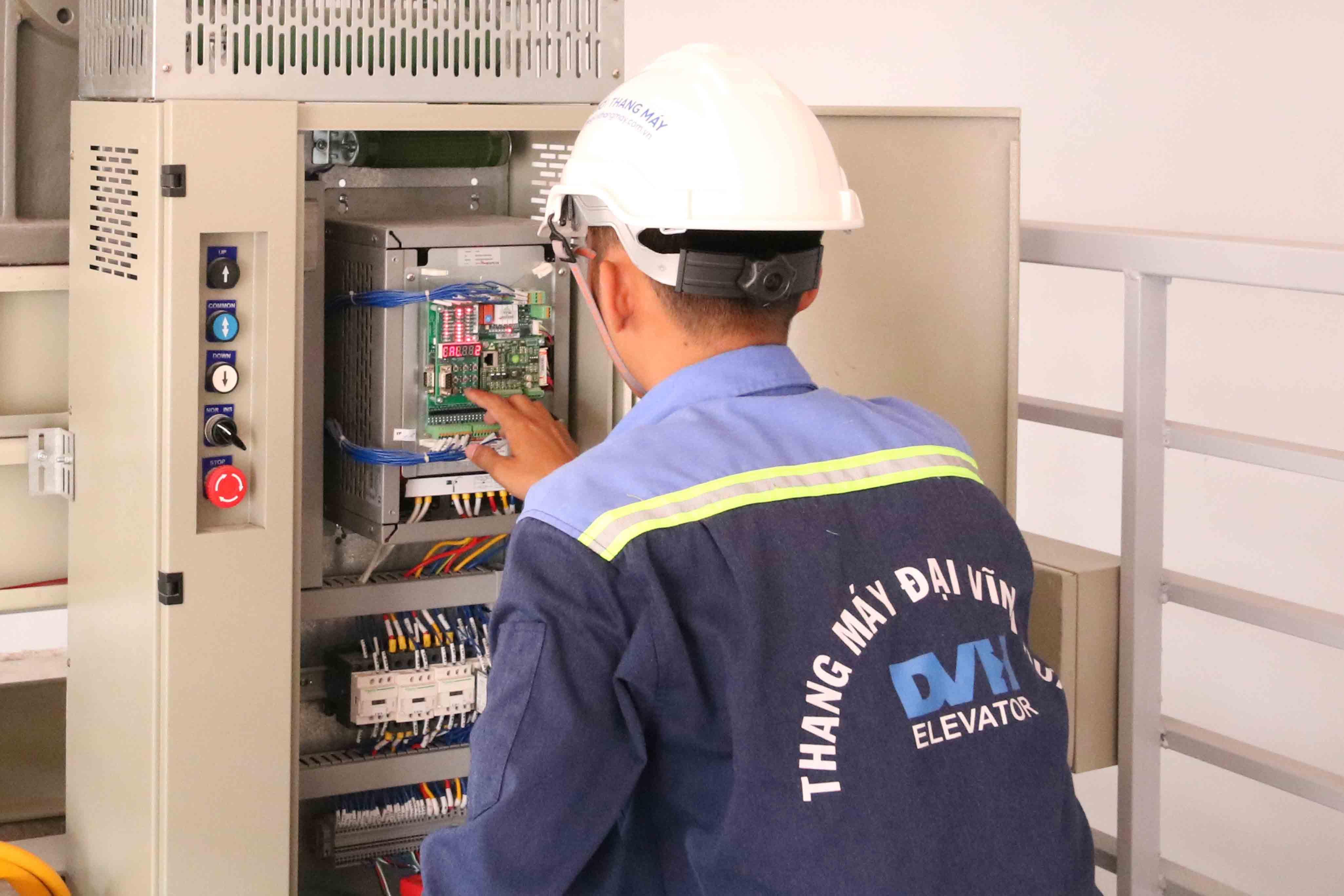 Sản xuất lắp đặt thang máy
