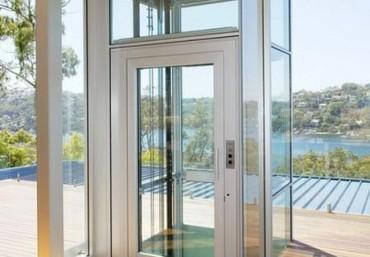 Phân tích ưu điểm và hạn chế của thang máy gia đình kính