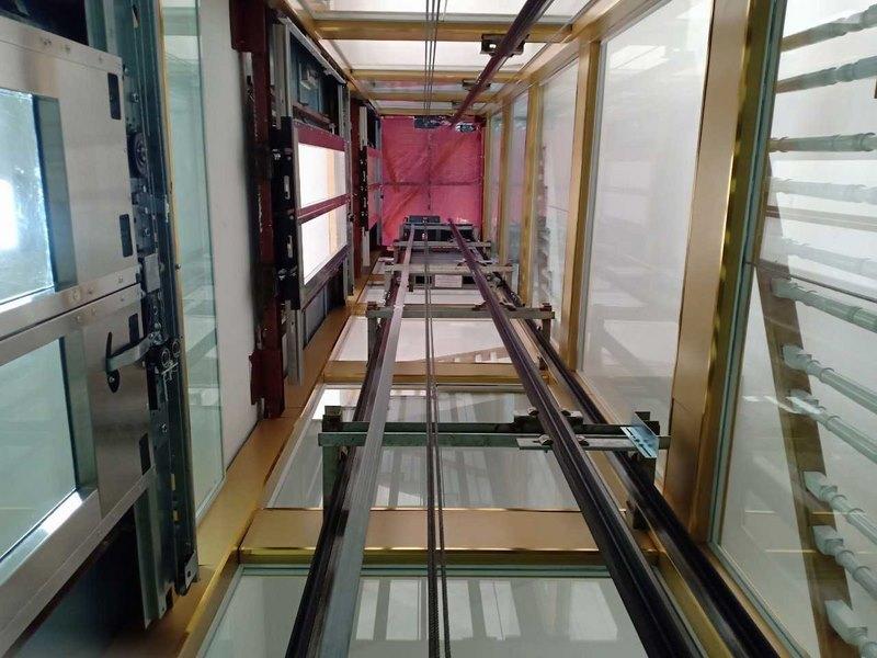 Hố thang máy bằng khung thép