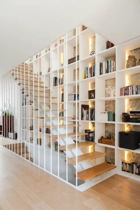 Tủ gỗ gầm cầu thang đẹp trưng bày sách báo
